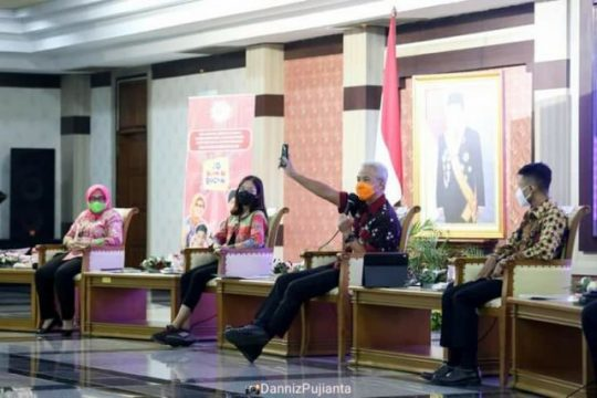 "Ganjar kampanye ""Jo Kawin Bocah"" mencegah perkawinan dini ( Dok. KominfoJateng)"